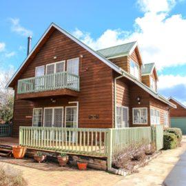 Halinka Lodge Bright