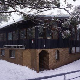 Iltis Ski Club - rear