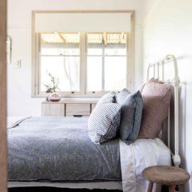 Queen Bed Room in Silver Gum Lodge