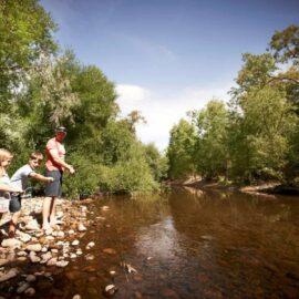 Family Fishing along the King River